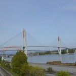 AMBASSADOR BRIDGEと川底トンネル
